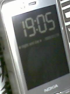 2570905
